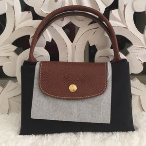 Longchamp Medium Black Le Pliage New